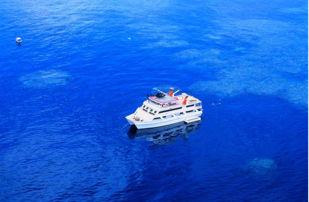 Cairns dive liveaboard